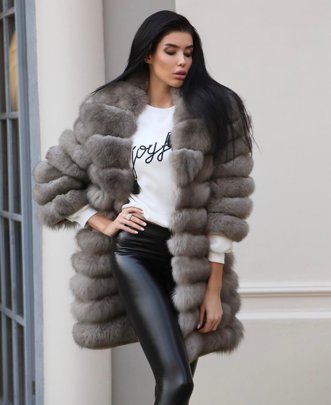 e58cec9f86 Avery Fur Coats » Made of 100% Real Fur » Aria Moda